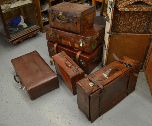 luggage suitcase baggage travel journey trip bag vacation travel bag tourist holiday traveler departure vintage old case retro packing antique pack brown leather used trunks scratched dirty worn traditional weathered rustic