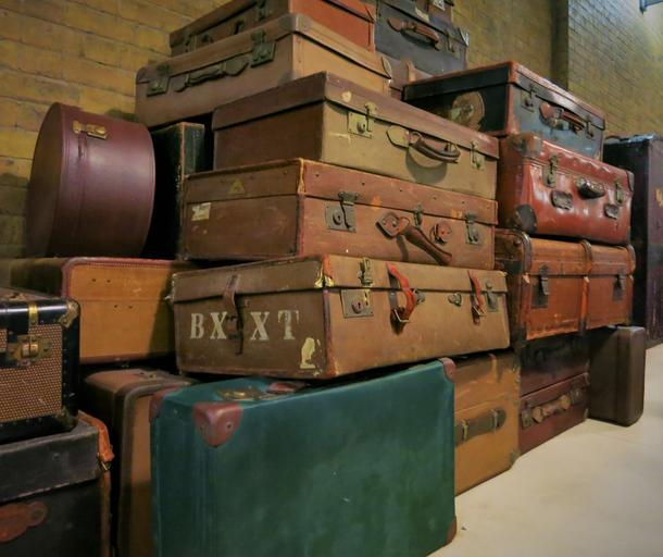 old suitcase harry potter railway station
