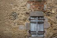window-wall-stones-566617.jpg