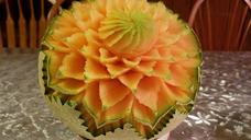 cantaloupe-carving-fruit-carving-1589340.jpg